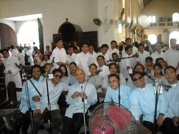 Mga kasamahan ko sa Church Choir... kuha ito nong fiesta ng Calbayog 08.